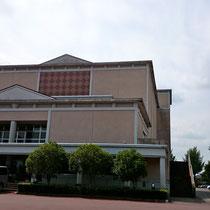 会場の矢吹町文化センターです。秋らしいさわやかなお天気でちょうどいい気温でした。