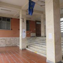 Scuola Media De Amicis di Calatafimi Segesta - Foto atrio d'ingresso