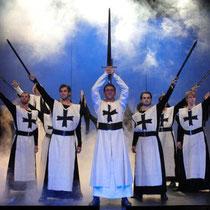 """Musical """"Elisabeth - Die Legende einer Heiligen"""" 2007 in Eisenach (Bettina links außen)"""