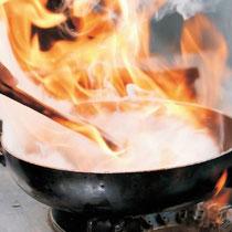 Brennende Pfanne Fettbrand FireEx