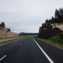 Gut ausgebaute Autobahn Richtung Grenze