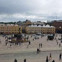 der Senatsplatz - von der Domkirche aus gesehen
