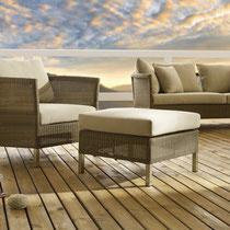Martinique Lounge Sofasessel und Hocker