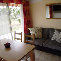 die Couch, notfalls ein Ausziehbett