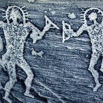 Le pitture rupestri di antichi visitatori alieni in Italia e Algeria