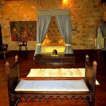 Chambre medievale La Chambre Seigneuriale du chateau-medieval de Tennessus