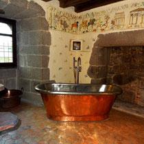 Salle de bains de la chambre médiévale La Tour de Guet à Tennessus