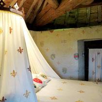 Chambre d'hôtes médiévale la Tour du Guet au chateau medieval de Tennessus
