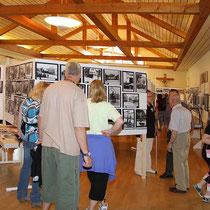 Ausstellung mit hist. Fotos anlässlich des Klosterfestes 2010 im Pfarrzentrum