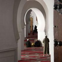Doorkijkje in de moskee