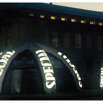 Spieder mit LED bei Nacht