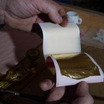 Une feuille d'or dans son carnet