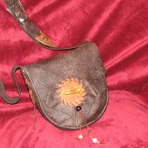 Kleinere Umhängetasche.. aus feinstem weichen Leder  :-)