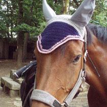 Bonnet bleu marine, gris, liseré rose, taille cheval (ref 10)