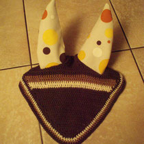 Bonnet marron, écru, liseré marron, taille cheval [grande oreilles] (ref 18)