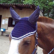 Bonnet bleu marine, liseré blanc, taille poney D (ref 12)