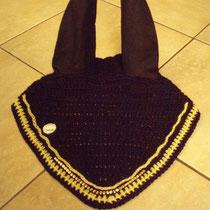 Bonnet noir, liseré jaune et ligne de strass, taille cheval (ref 78)