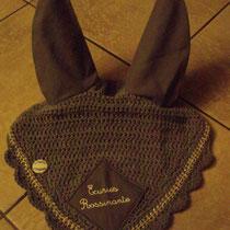 Bonnet gris moyen, bordure coquillages, caractères, taille cheval [grandes oreilles] (ref 69)
