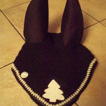 Bonnet noir, motif sapin de Noël, liseré blanc et vert sur la pointe, taille Cheval (ref 64)