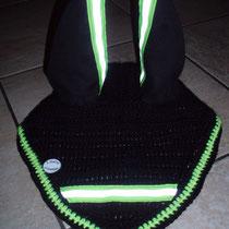 Bonnet noir et jeune phosphorescent, taille poney D (ref 62)