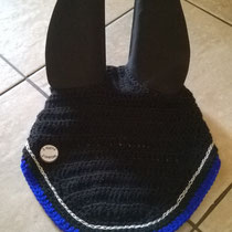 Bonnet noir, liseré argenté et bleu, taille cheval (ref 107)
