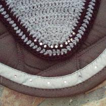 Bonnet noir, gris, strass, taille poney D (ref 27)