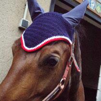 Bonnet bleu marine, liseré blanc, rouge, taille cheval (ref 16)