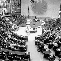 211. Plenarsitzung des Deutschen Bundestages, Bonn, 25. Februar 1994 // Foto: Aleksander Perkovic