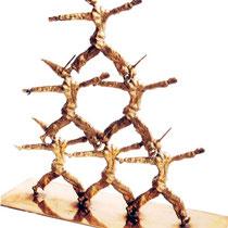 Piramide di pinocchi, scultura in bronzo, 70 cm