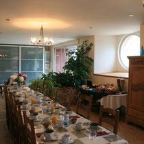La salle à manger de la maison d'hôtes le blockhaus