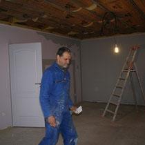 L'isolation du plafond de la chambre Parme du blockhaus de domleger