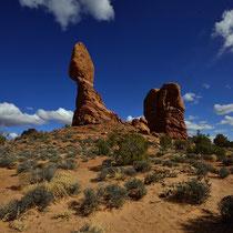 Balanced Rock - Arches National Park [Moab/Utah/USA]