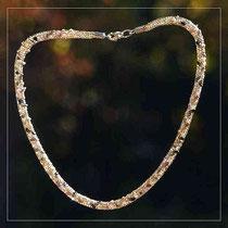 Strickcollier Perlen