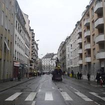 Violine dans une rue presque déserte...