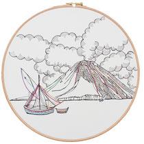 Stromboli : 30 cm; carta; disegno a china; ricamo con filo di seta; telaio; 2019; (collezione privata)