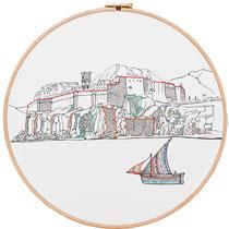 Castello di Lipari : 30 cm; carta; disegno a china; ricamo con filo di seta; telaio; 2019; (collezione privata)