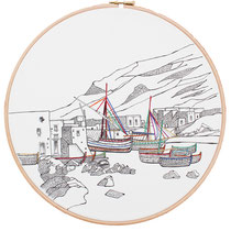 Salina : 30 cm; carta; disegno a china; ricamo con filo di seta; telaio; 2019; (collezione privata)