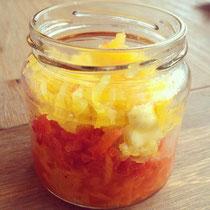 Drei-Paprika-Salat: orange, rot, gelb.