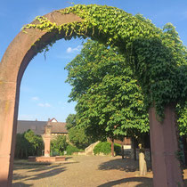 "Das ""Tor zum Rheinagu"" in Wicker"