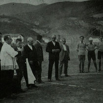 Bendición del campo de fútbol de Maderas en 1927.