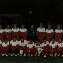 Plantilla del Villosa-Altzarrate Juvenil que venció el Torneo Friends All Over The World jugado en Bélgica en 1989.