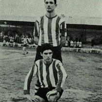 José Ramón Elorriaga y José Ignacio Izarra, jugadores surgidos de la cantera del Villosa e internacionales sub 23 con España en un partido contra Inglaterra en 1968.