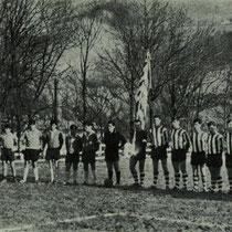 Homenaje al Villosa Juvenil en Altzarrate, tras proclamarse brillante campeón. Partido contra El Salvador de Amurrio, 1968.