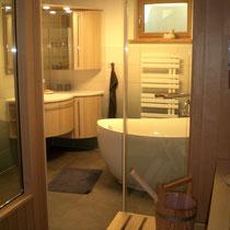 Der hochwertig ausgestattete Saunabereich