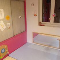 Salle de vie des bébés