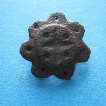 rozet schijffibula niet opengewerkt met kruisvorm (10e eeuw)