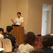 セミナーで講演中の大野木先生