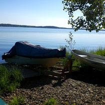 Dort angekommen, relaxen Sie gemütlich in der Sauna oder vor dem Kaminofen im Wohnzimmer.