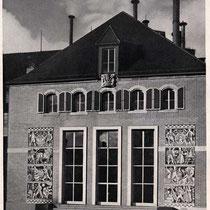 Historisches Foto mit Sgraffiti von Karl Gries