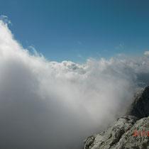 Dichte Nebelschwaden ziehen auf - nichts wie hinunter